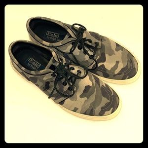 Camouflage lace up tennis shoes by Polo